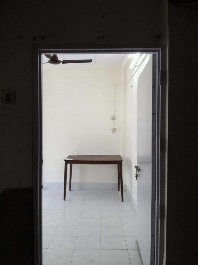 Main Entrance Image of 652 Sq.ft 1 BHK Apartment for rent in Sion for 22000