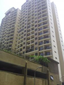 Gallery Cover Image of 1500 Sq.ft 3 BHK Apartment for buy in Malad East for 30000000