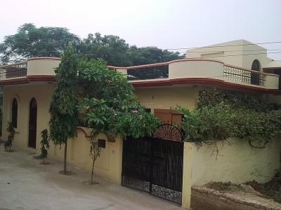 Gallery Cover Image of 2100 Sq.ft 4 BHK Independent House for buy in Chhattarpur for 26000000