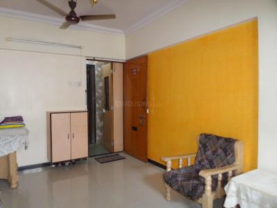 Gallery Cover Image of 800 Sq.ft 2 BHK Apartment for rent in Kandivali East for 30000