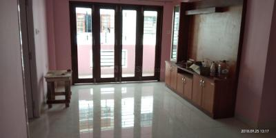 Gallery Cover Image of 1550 Sq.ft 3 BHK Apartment for rent in Saligramam for 30000