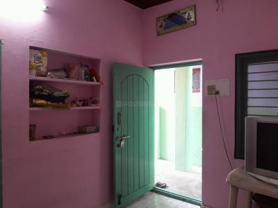 Gallery Cover Image of 650 Sq.ft 1 BHK Apartment for rent in Iyyappanthangal for 6000