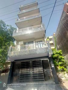 Gallery Cover Image of 645 Sq.ft 2 BHK Independent Floor for buy in Sector 22 Rohini for 5800000