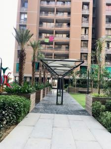 Gallery Cover Image of 1332 Sq.ft 2 BHK Apartment for rent in Chharodi for 13000