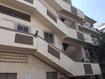 Gallery Cover Image of 750 Sq.ft 2 BHK Independent House for buy in Malad West for 16000000