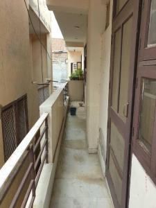 Gallery Cover Image of 750 Sq.ft 2 BHK Independent Floor for rent in Sector 19 Dwarka for 14500