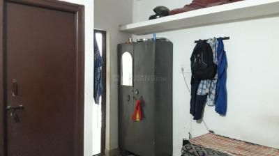 बेगुर में लिकीठा पीजी के बेडरूम की तस्वीर