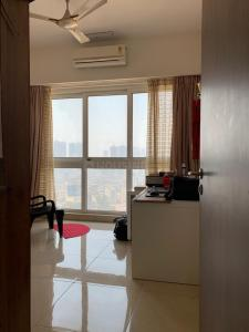 Gallery Cover Image of 2575 Sq.ft 3 BHK Apartment for rent in Parel for 160000