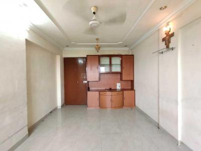 Gallery Cover Image of 650 Sq.ft 1 BHK Apartment for rent in Shringeri Apartment, Borivali West for 21000