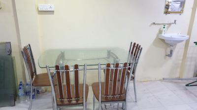 ठाणे वेस्ट में साईकृपा के हॉल की तस्वीर