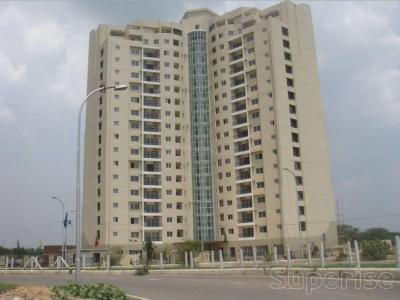 Gallery Cover Image of 4200 Sq.ft 5 BHK Apartment for rent in Gamma I Greater Noida for 50000