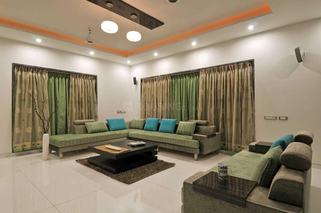 Living Room Image of 4000 Sq.ft 5 BHK Independent House for buy in Borivali East for 150000000