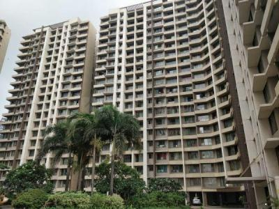 Gallery Cover Image of 1050 Sq.ft 2 BHK Apartment for rent in Kalpataru Aura, Ghatkopar West for 48000