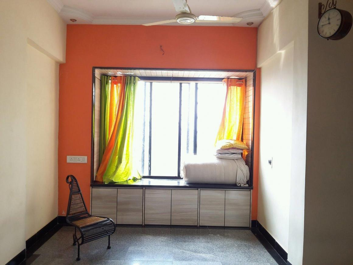 Living Room Image of 620 Sq.ft 1 BHK Apartment for rent in Thane West for 22000