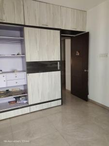 Gallery Cover Image of 1400 Sq.ft 3 BHK Apartment for rent in Venkatesh Graffiti, Mundhwa for 31000