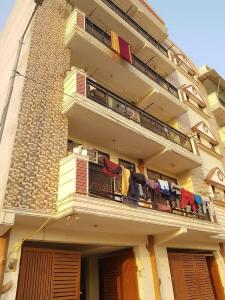 Gallery Cover Image of 1250 Sq.ft 3 BHK Independent Floor for buy in Sector 23 Dwarka for 5500000