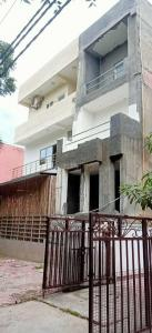 Gallery Cover Image of 3200 Sq.ft 10 BHK Independent House for buy in Gyan Khand for 22500000