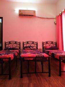 ठाणे वेस्ट में द हैबिटट मुंबई में बेडरूम की तस्वीर