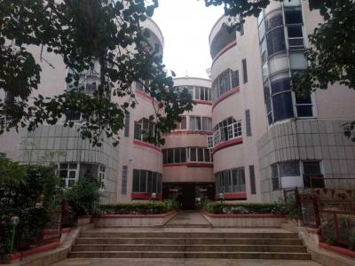 Gallery Cover Image of 1650 Sq.ft 3 BHK Apartment for rent in Silver Palace, Vasanth Nagar for 38000