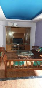 Gallery Cover Image of 2250 Sq.ft 2 BHK Independent Floor for rent in Rajouri Garden for 48000
