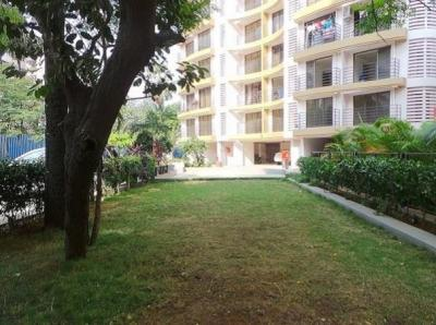 Gallery Cover Image of 830 Sq.ft 2 BHK Apartment for rent in Goregaon West for 42000