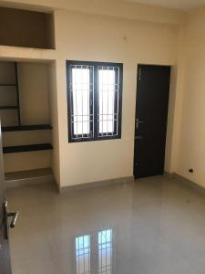 Gallery Cover Image of 850 Sq.ft 2 BHK Apartment for rent in Puzhal for 10000