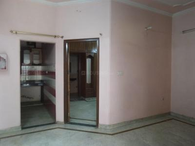 Gallery Cover Image of 650 Sq.ft 1 BHK Independent Floor for rent in 2523, DLF Phase 4 for 12000