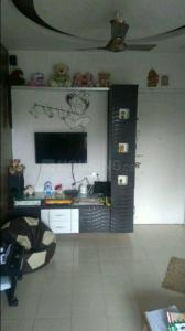Gallery Cover Image of 300 Sq.ft 1 RK Apartment for rent in Accord Apartment, Kandivali West for 15000