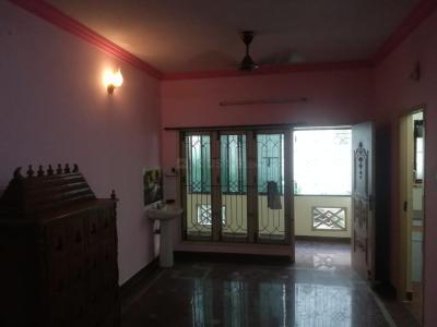 Gallery Cover Image of 1000 Sq.ft 2 BHK Apartment for rent in Virugambakkam for 15000