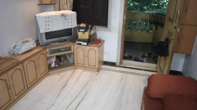 Gallery Cover Image of 1200 Sq.ft 1 RK Apartment for rent in Bandra East for 9000