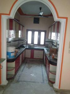 Gallery Cover Image of 3150 Sq.ft 3 BHK Independent House for rent in Sector 17 for 32000