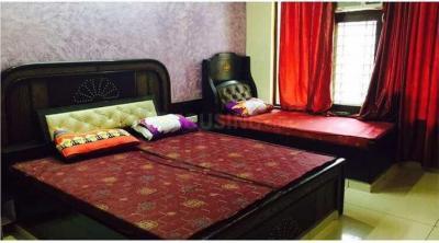 स्काइ होम्स इन सेक्टर 17 के बेडरूम की तस्वीर