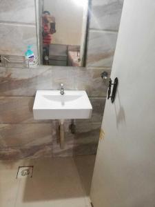 Bathroom Image of PG 4039493 Andheri East in Andheri East