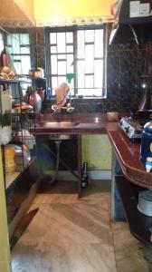 बरनगर में होम में किचन की तस्वीर