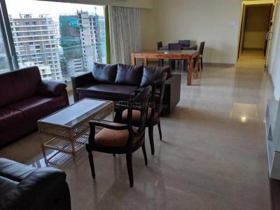 Gallery Cover Image of 2400 Sq.ft 4 BHK Apartment for rent in Khar West for 240000