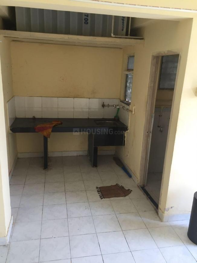 Kitchen Image of 225 Sq.ft 1 RK Apartment for buy in Malad West for 2825000