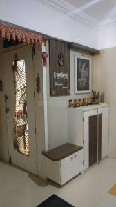 Gallery Cover Image of 1700 Sq.ft 3 BHK Apartment for rent in Mulund West for 65000