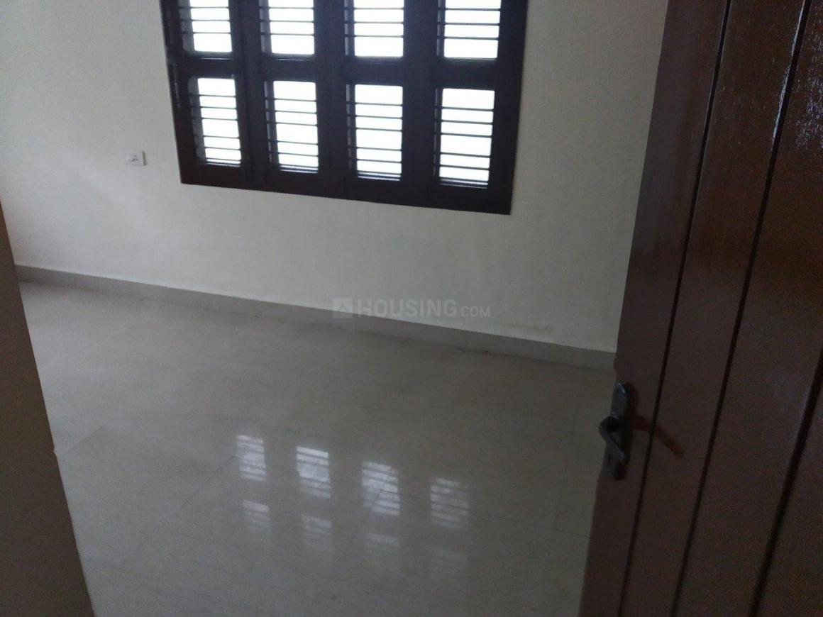 Bedroom Image of 1600 Sq.ft 3 BHK Apartment for rent in Kottivakkam for 25000