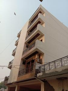 Gallery Cover Image of 1500 Sq.ft 3 BHK Independent Floor for buy in Sector 7 for 5500000