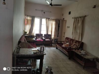 Gallery Cover Image of 1300 Sq.ft 2 BHK Apartment for rent in Naranpura for 12500