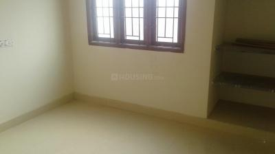 Gallery Cover Image of 1000 Sq.ft 3 BHK Apartment for rent in Aminjikarai for 23000