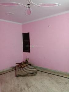 Gallery Cover Image of 500 Sq.ft 1 BHK Independent Floor for buy in Dwarka Mor for 1500000