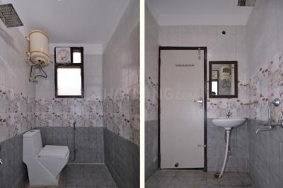 Bathroom Image of Oyo Life Grg1375 Nr Sikanderpur Metro in DLF Phase 3
