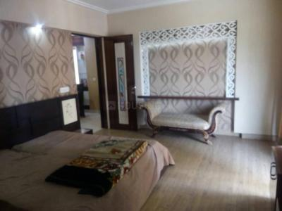 Gallery Cover Image of 1850 Sq.ft 3 BHK Apartment for buy in Swatantra Indraprastha Apartments, Sector 32 for 9111000