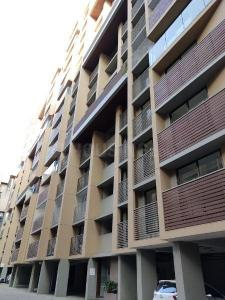 Gallery Cover Image of 1385 Sq.ft 3 BHK Apartment for buy in Thaltej for 6232500
