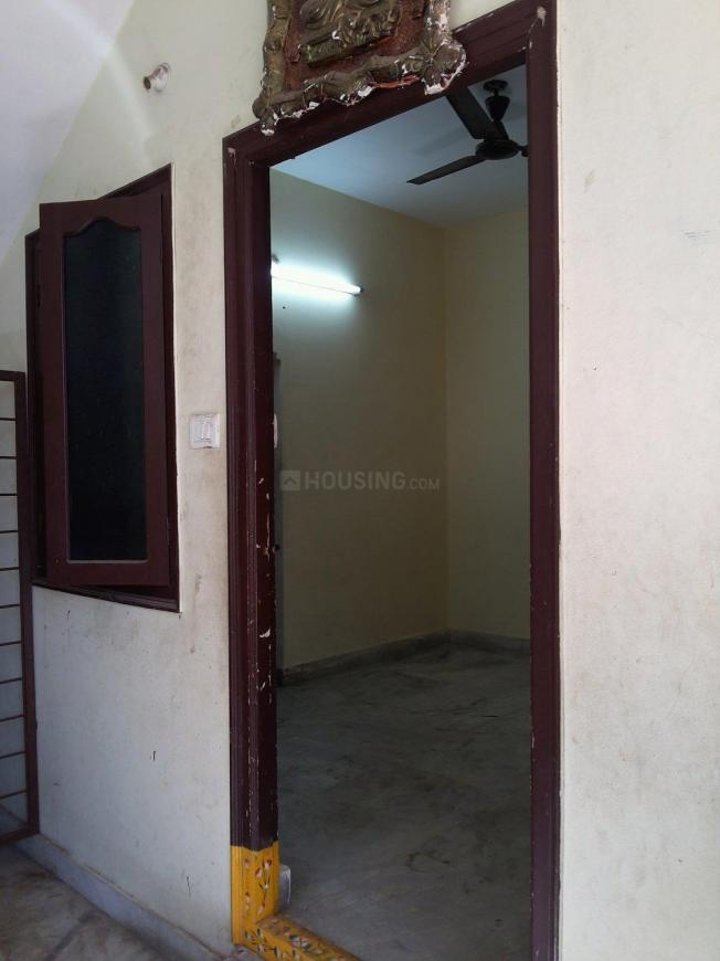 Main Entrance Image of 400 Sq.ft 1 BHK Apartment for rent in Erragadda for 7500