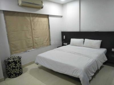 Gallery Cover Image of 490 Sq.ft 1 BHK Apartment for rent in Vile Parle West for 50000