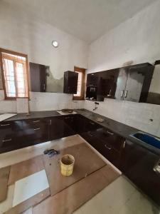 Gallery Cover Image of 2100 Sq.ft 3 BHK Independent House for buy in Seema Dwar for 6700000