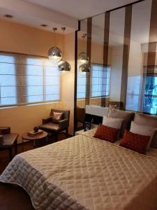 Gallery Cover Image of 1371 Sq.ft 2 BHK Apartment for buy in ASF Isle de Royale, Gwal Pahari for 8300000