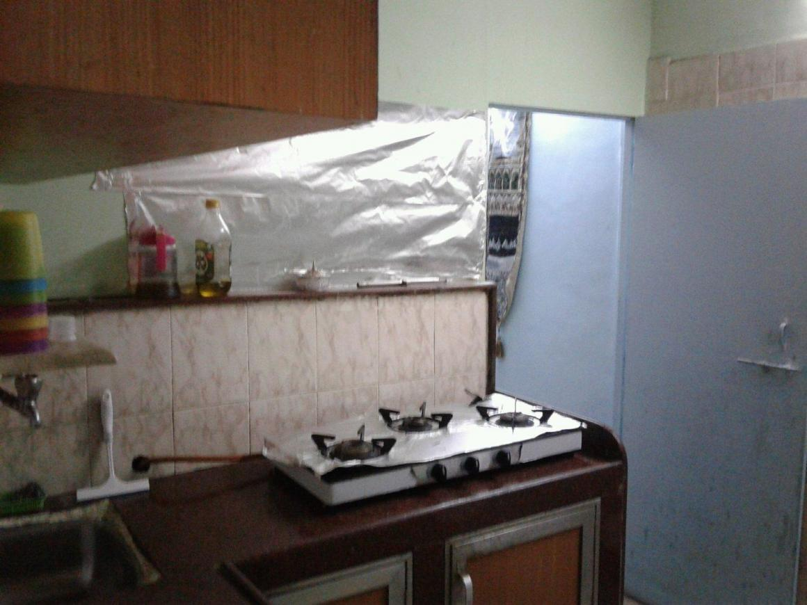 Kitchen Image of 700 Sq.ft 1.5 BHK Apartment for rent in Bandra West for 45000